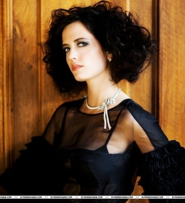 Eva Green wallpaper possibly with a portrait titled Daily Mail (October 2008)