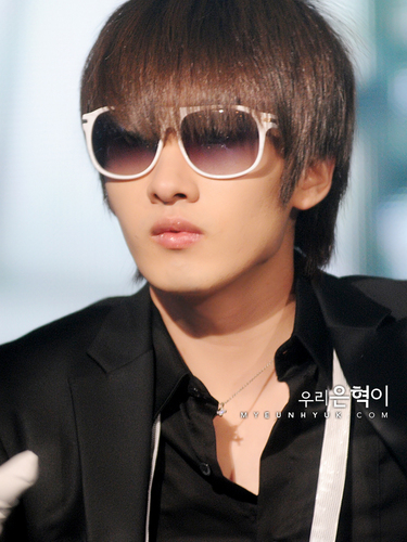 super junior fondo de pantalla containing sunglasses titled Eun Hyuk Sorry2 ^.*