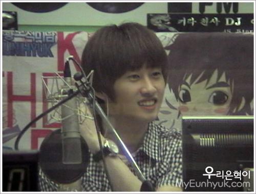 EunHyuk On halik Radio