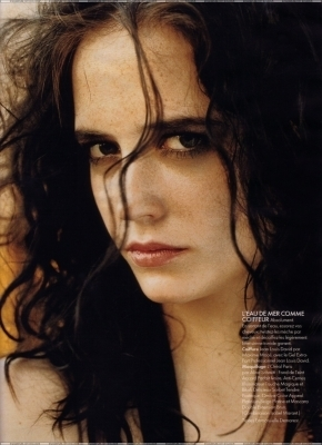 Eva Green wallpaper with a portrait titled Eva