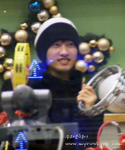 Hyukkie on 吻乐队(Kiss) Radio *.^