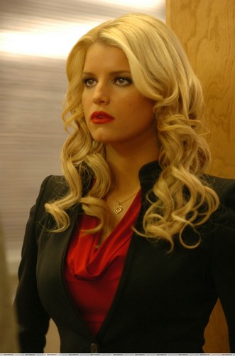 Jessica Simpson wallpaper possibly containing a portrait titled Jessica in Blonde Ambition