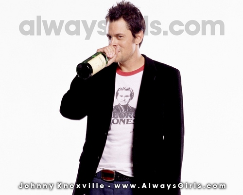 Johnny Knoxville 바탕화면 possibly containing a business suit entitled Johnny Knoxville