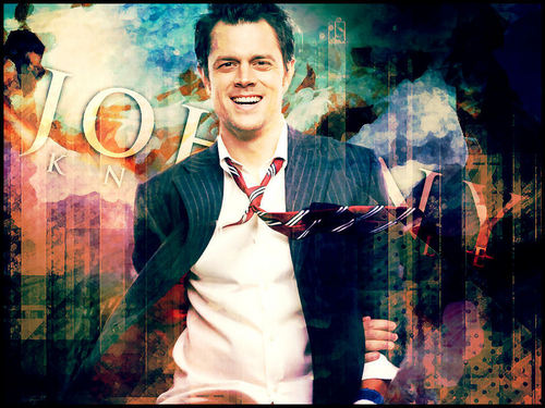 Johnny Knoxville 바탕화면 with a business suit entitled Johnny Knoxville