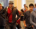 Kellan & Taylor arrive in Vancouver - twilight-series photo