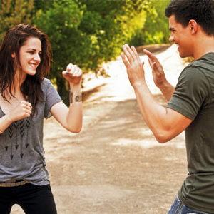 Kristen Stewart  Taylor Lautner on Kristen Stewart And Taylor Lautner   Kristen Stewart Vs  Emma Watson