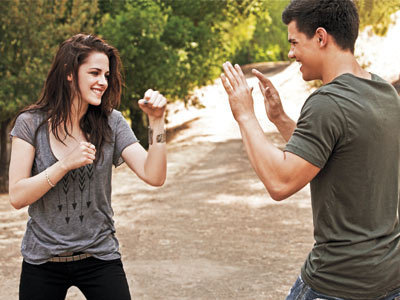 Kristen and Taylor in Entertainment Weekly :)
