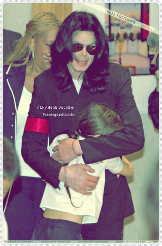 Michael with bebês ;*