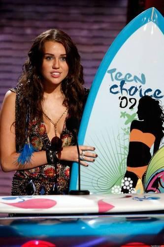 Miley Cyrus @ 2009 Teen Choice Awards