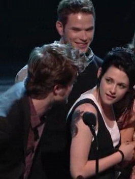 My trophée from TCA - Some Robsten Moments (!!!!!!!!) :D