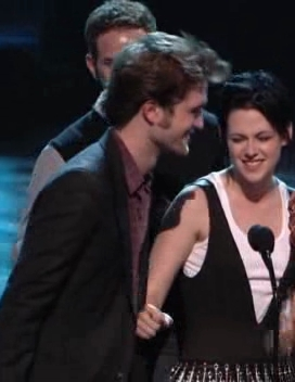 My huy hiệu from TCA - Some Robsten Moments (!!!!!!!!) :D