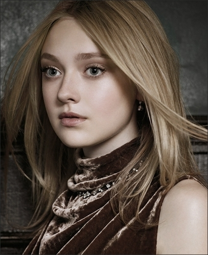 New Dakota Fanning :)