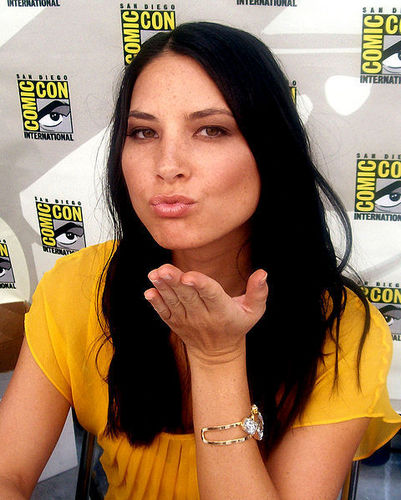 Olivia At Comic Con - olivia-munn Photo