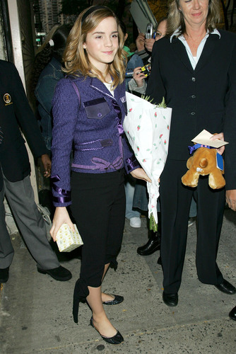 Outside Regis and Kelly 2005