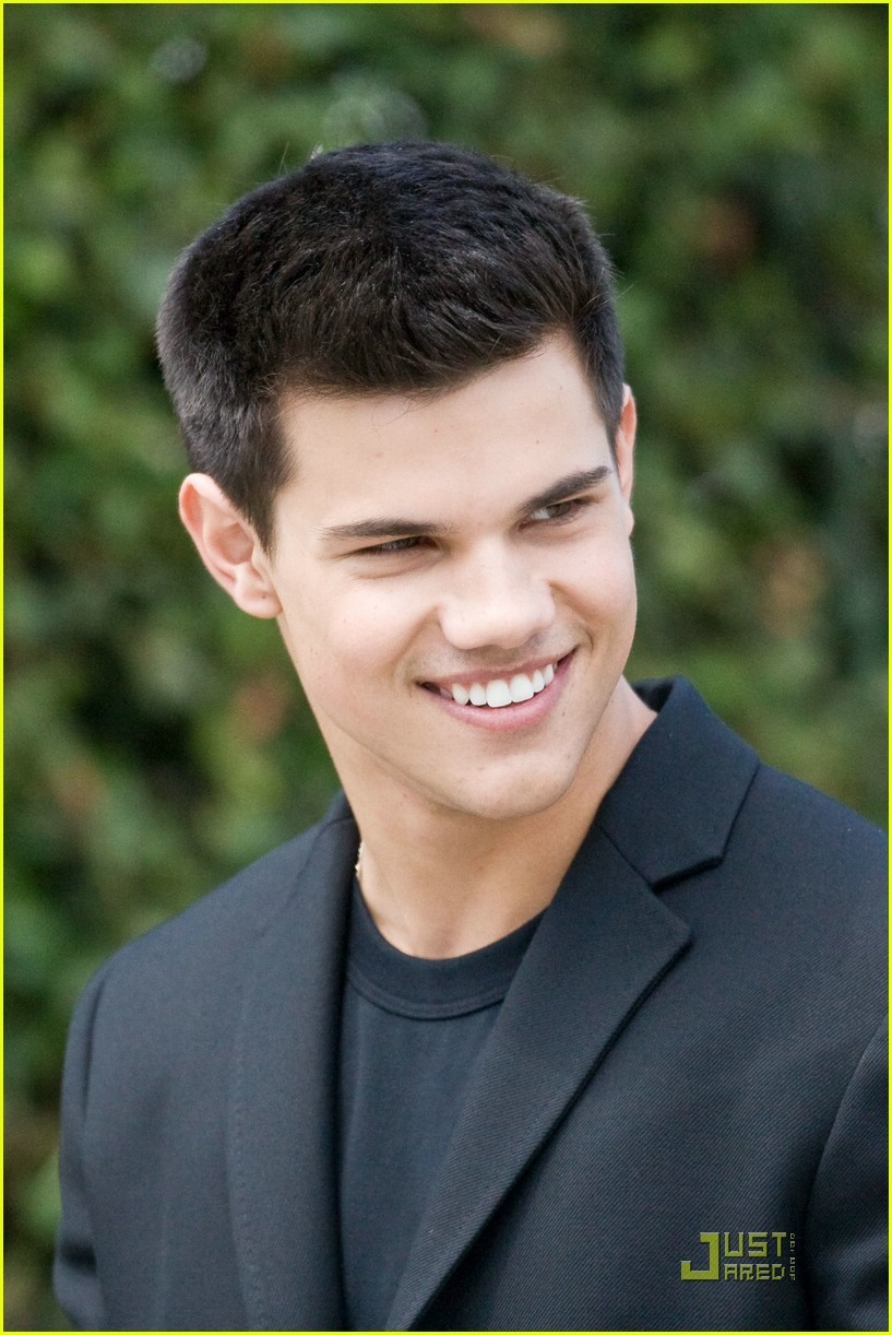 rose_emmett images Taylor Lautner! =D HD wallpaper and ... Taylor Lautner