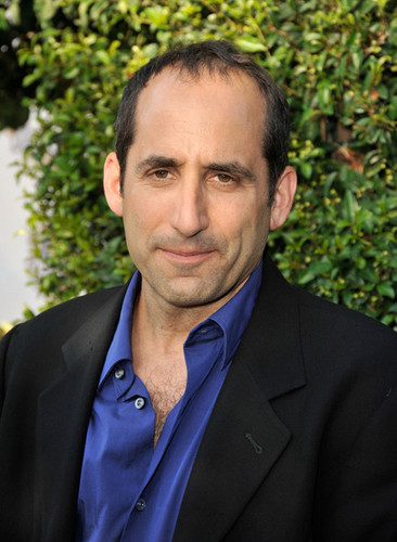 Peter Jacobson wallpaper with a business suit entitled The Comedy Central Roast Of Joan Rivers - Arrivals