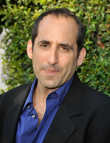 Peter Jacobson wallpaper with a business suit titled The Comedy Central Roast Of Joan Rivers - Arrivals