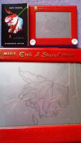 "The New Moon 꽃 drawed in the ""Magic Etch A Sketch""!"