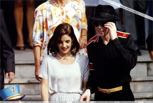 Various > Michael & Lisa Marie visit Budapest