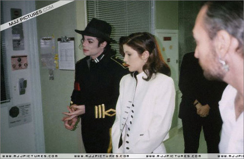 Various > Michael & Lisa Marie visit St Jude Children Hospital