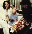 Various > Michael & Lisa Marie visit St Jude Children Hospital - michael-jackson photo