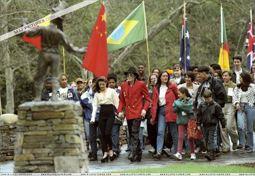 Various > World Summit of Children at Neverland Valley Ranch