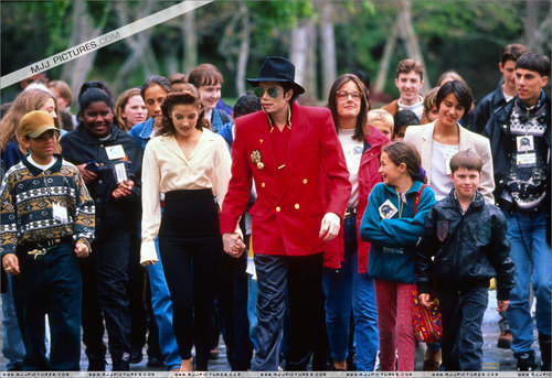 Various > World Summit of Children at Neverland Valley Ranch