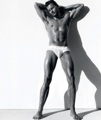 Calvin Klein Body 2009