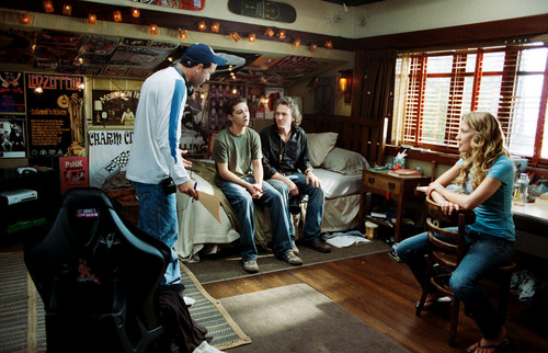 Disturbia wallpaper with a drawing room and a diner called Disturbia -Behind the Scenes