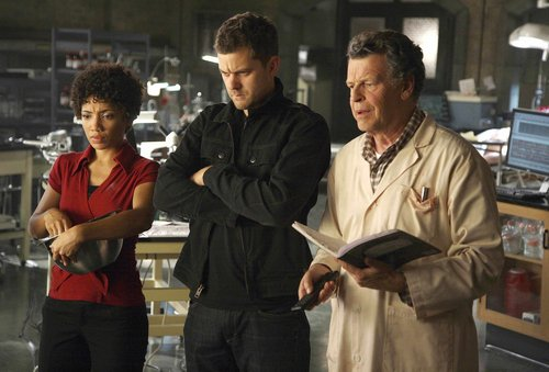 Fringe - Season Two : Production Stills