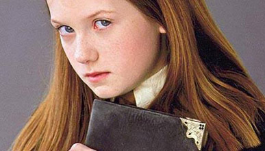 Ginny Weasley with the diary