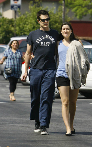 Johnny Knoxville out with his girlfriend Naomi (August 16).