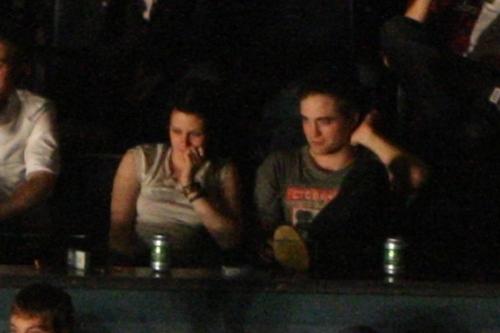Kristen and Rob at KOL সঙ্গীতানুষ্ঠান
