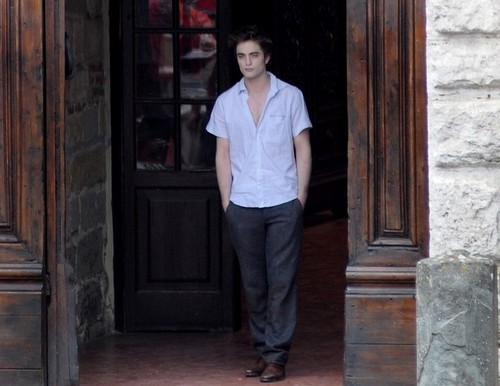 lebih of Rob at the New Moon set