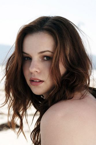 Amber Tamblyn Hintergrund containing a portrait and skin titled NEW photoshoots !!!