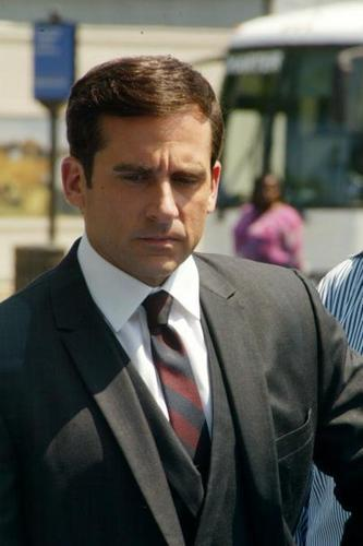 Get Smart (2008 Movie) Hintergrund containing a business suit and a suit titled On the Set