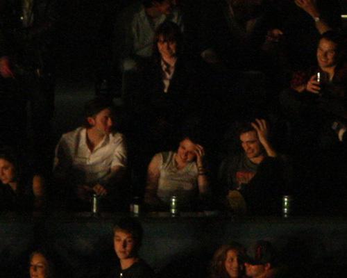 Robert & Kristen in Vancouver at Kings of Leon konzert