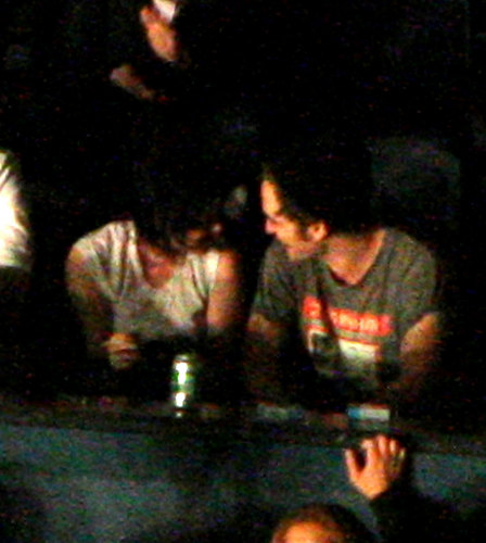 Robert Pattinson và Kristen Stewart