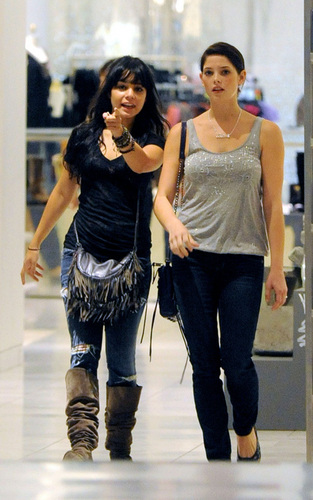 Alice Cullen wallpaper containing a hip boot entitled Shopping with Vanessa Hudgens