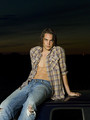 Tim promotional photos {season 1} - tim-riggins photo