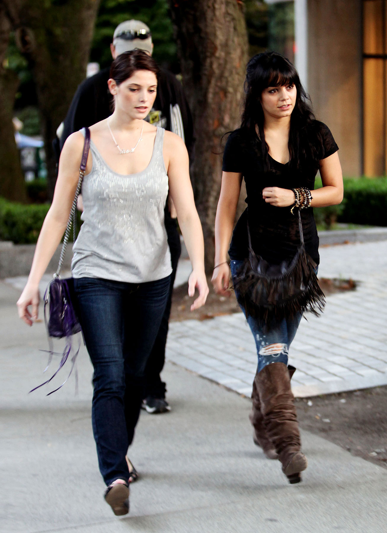 Vanessa Hudgens & Ashley Greene's Shopping तारीख, दिनांक