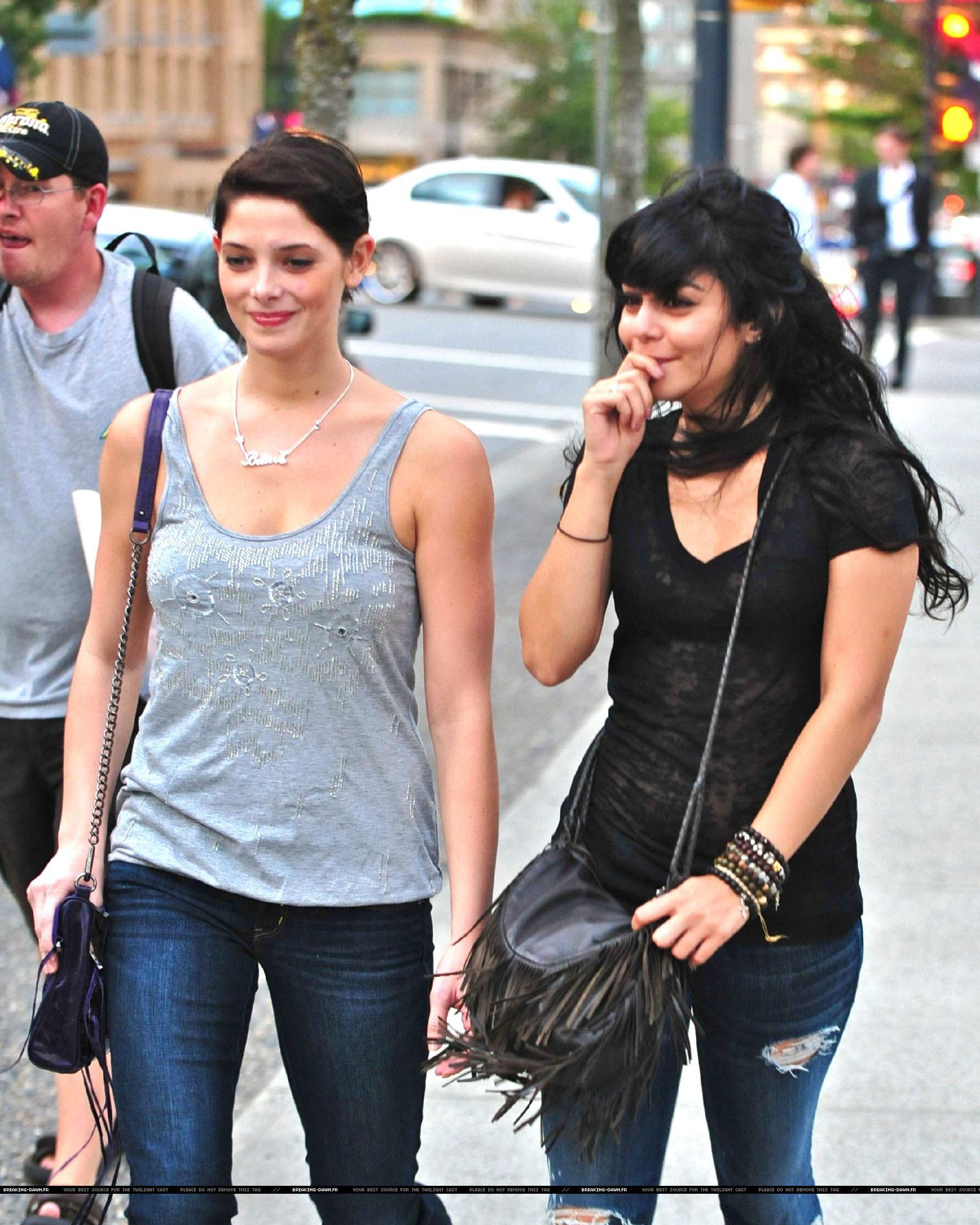 আরো Ashley and Vanessa
