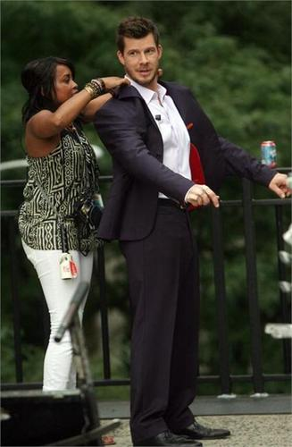 on set of ugly betty- 19 aug/09