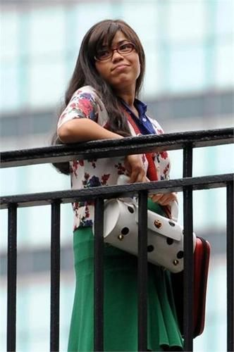 on set of ugly betty - aug 19/09