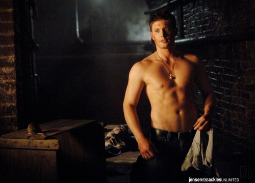 Dean Winchester kertas dinding with a hunk titled Dean <3