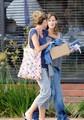 Jen goes to Toscana Restaurant - August 23 2009 - jennifer-garner photo