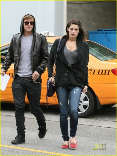 Ashley Greene & Xavier Samuel: Studio Sidekicks