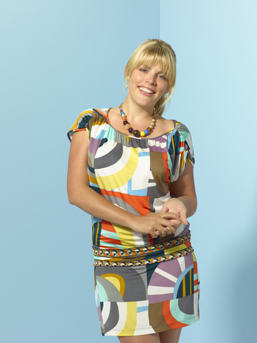Busy Philipps as Laurie.