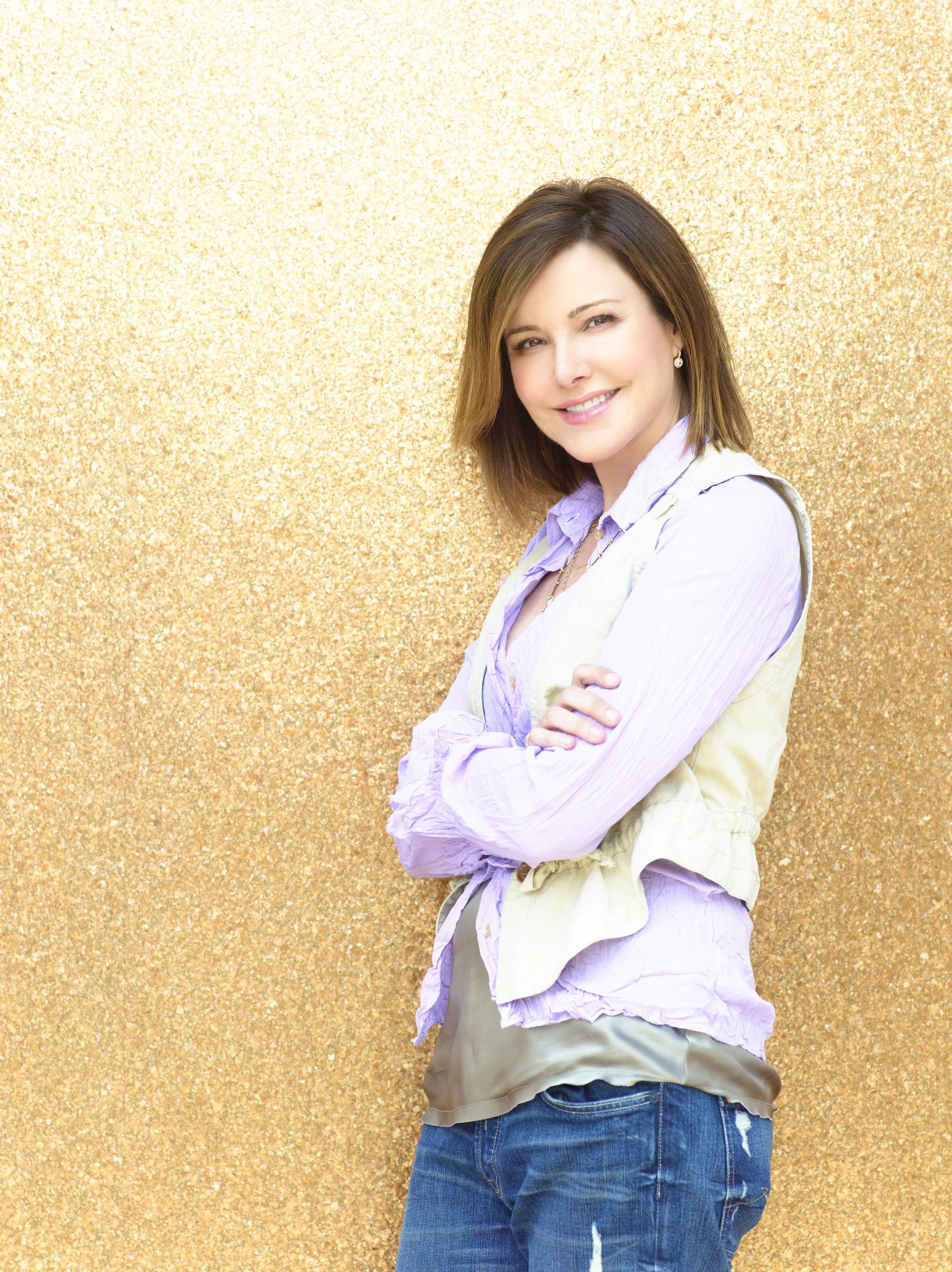 Christa Miller As Ellie.