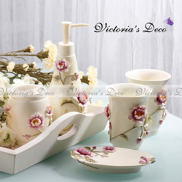 Delicate Spring 5pc Resin Bathroom Set pack in box